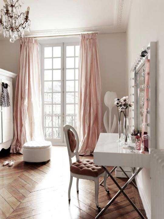blush room_2